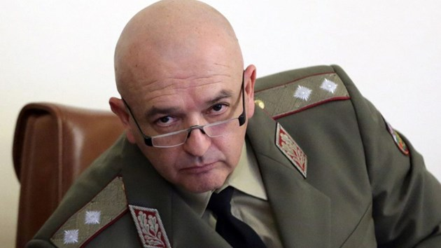 Ген. Мутафчийски към ЦСКА: Не поставяйте хората на риск!