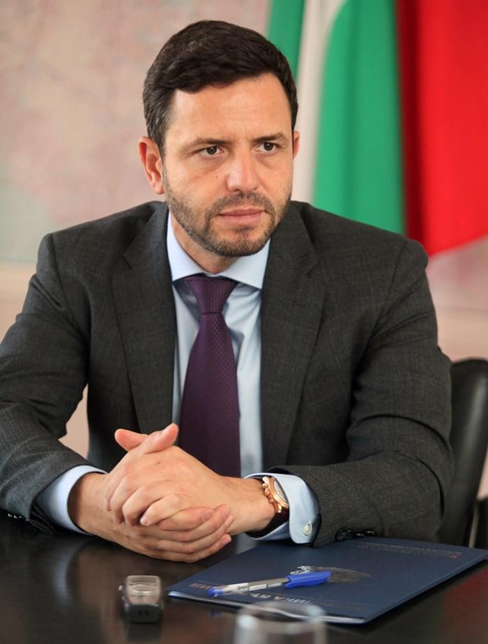 Областният управител на София Николай Пехливанов е начело на Областният медицински съвет.