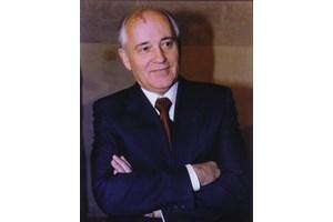 Михаил Горбачов проваля всички опити на Живков за поетапно преминаване към пазарна икономика.