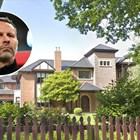 Гигс продава имение