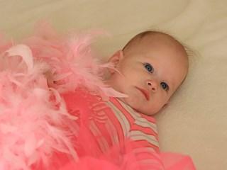 Как да успокоите бебето си, докато плаче