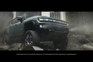 Електрическият SUV Hummer може да се движи настрани като рак (видео)
