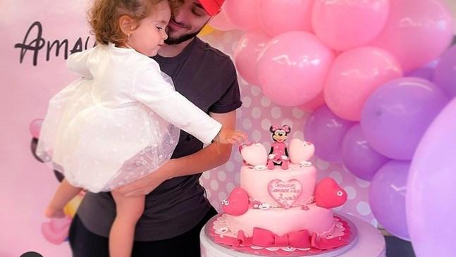 Дъщерята на Криско стана на 2 години с торта с Мики Маус