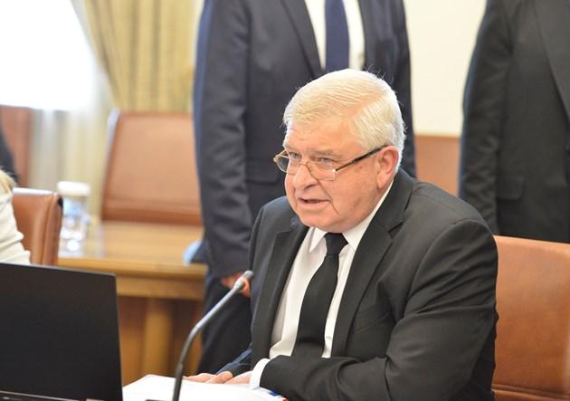 Кирил Ананиев: Бюджет 2021 е антипандемичен