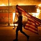 Десетки задържани при протести в САЩ заради смъртта на цветнокож при арест (Видео)