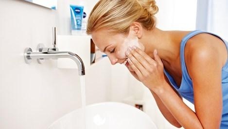 Как да изберем най-подходящото средство за измиване на лицето