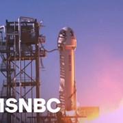 Актьорът Уилям Шатнър стана най-възрастният човек, летял в Космоса (Видео)