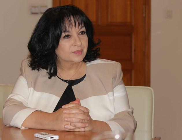 """Петкова възложи на ТЕЦ """"Марица-изток 2"""" да произведе 8,4% от нужния на държавата ток"""