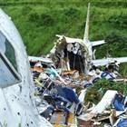 Намерени са черните кутии на разбилия се в Индия пътнически самолет