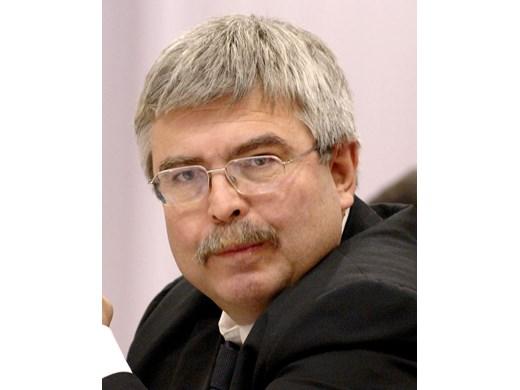 Емил Хърсев: Ако се сравним с държави с нашия кредитен рейтинг, емисията по новия дълг бе направена професионално