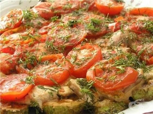 Тиквички с домати