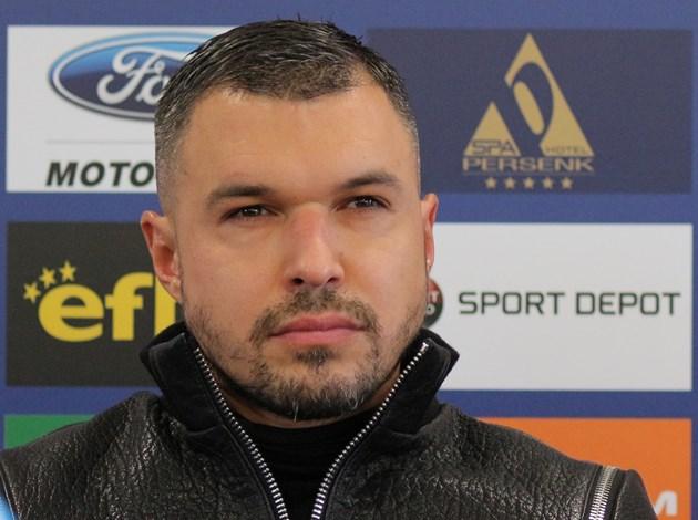 Божинов пита Бойко да се върне ли в България