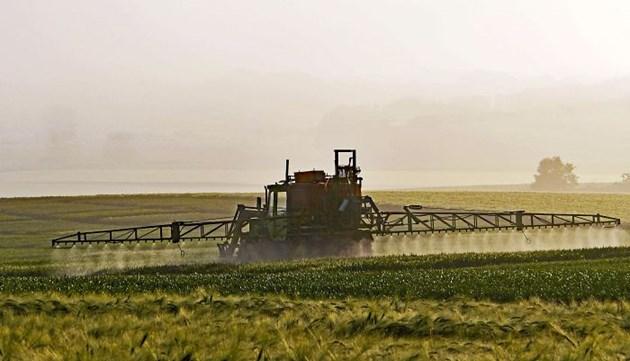 Употребата на пестициди в Бразилия се е увеличила според Greenpeace, като през последните три години в Бразилия са регистрирани 193 продукта, съдържащи химикали, забранени в ЕС.