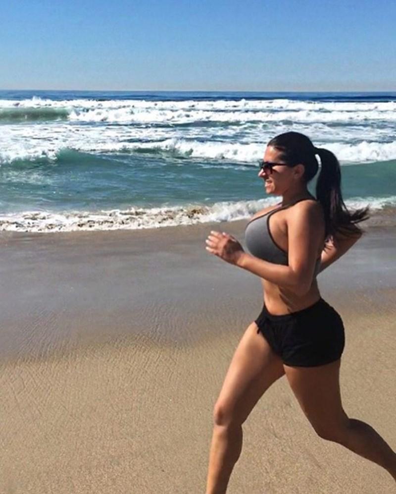 Радина е фен на фитнеса и джогинга.