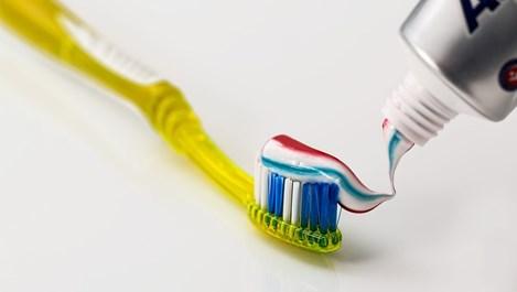 Приложения на пастата за зъби в домакинството