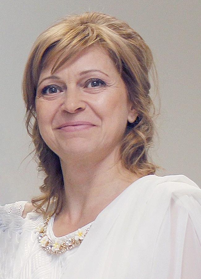 езотеричната писателка Тина Електра