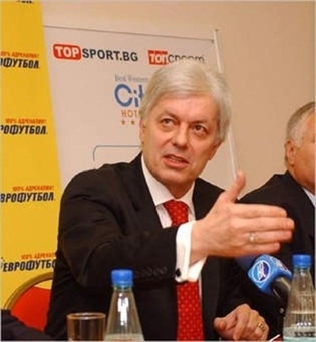 Валентин Михов също подаде оставка от БФС