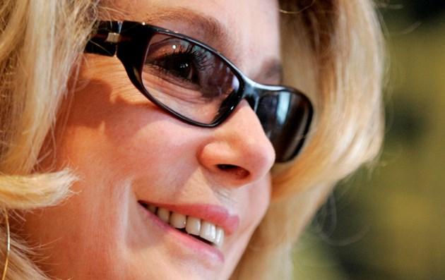 Катрин Деньов е получила инсулт