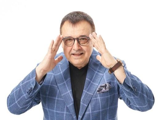 Очилата за политици - със семпъл дизайн, фриволните модели са за артистичните среди