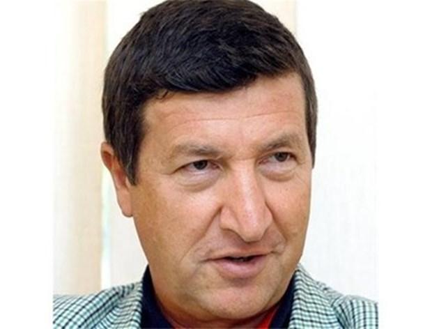 """Говорят ли си на немски работниците в """"Мерцедес"""" в Турция, пита дипломат"""