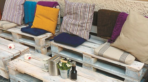 НАПРАВИ СИ САМ: 5 идеи за възглавници за градината