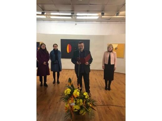 Зам.-кметът по култура в Бургас: Картините на Стоян Цанев са вход към Космоса