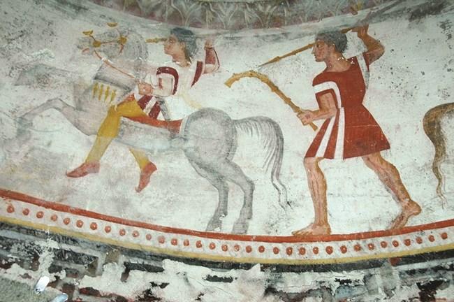 Стенописите от Александрово потвърждават пристрастието на траки към разноцветни тъкани и дрехи