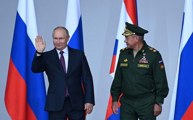 Путин възражда царска Русия с нов град за милиарди до Китай