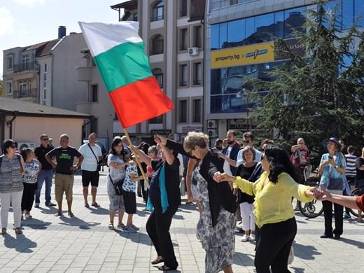 Историческият музей в Бургас се изнесе на площада за Деня на Независимостта (Снимки)