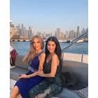 Мегз пори вълните в Дубай