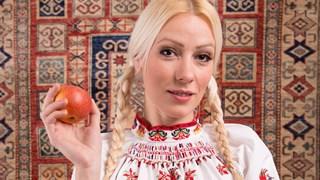 Деси Бакърджиева: Когато човек обича, не трябва да очаква да му се върне същото