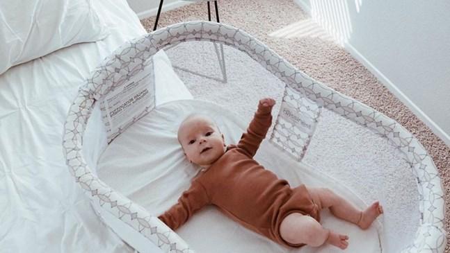 Люлка или бебешко креватче за новороденото бебе?