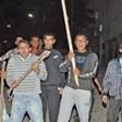Цигани набиха ченгета от Гълъбово, обсадиха РПУ-то