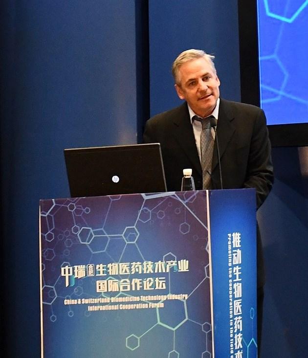 Имунологът Мартин Бахман: Готови сме - за 1/2 година ще ваксинираме всички швейцарци