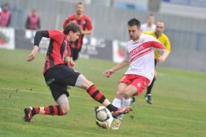 Мартин Камбуров вкара голове във важни мачове за клубните си отбори и заслужено застана еднолично на върха.
