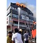 Най-малко 19 ученици загинаха при пожар в Индия