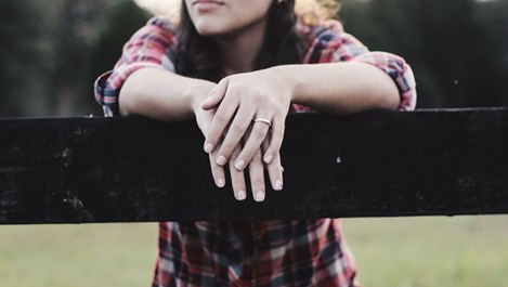 Какво означава, ако показалецът е по-къс от безименния пръст