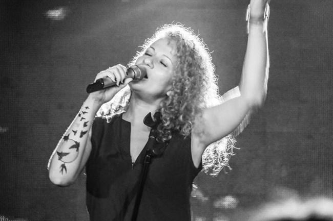 На 23 декември Белослава пее на дискохаус концерт в столично заведение.