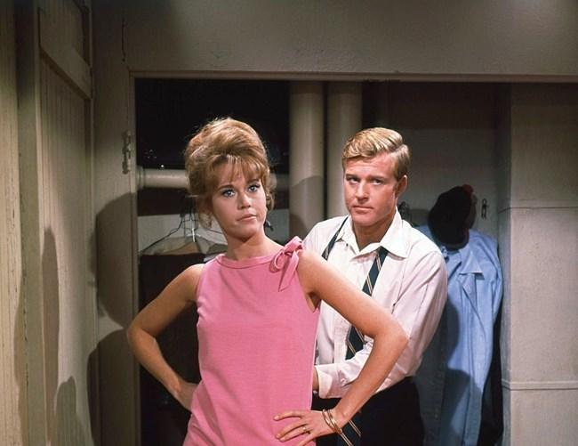 """Филмът """"Боси в парка"""" с Джейн Фонда се превръща в трамплин в кариерата на Редфорд."""