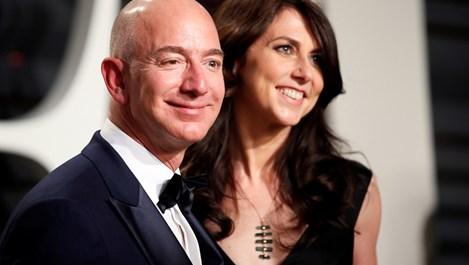 Най-богатият човек в света се развежда. Колко от милиардите ще загуби?
