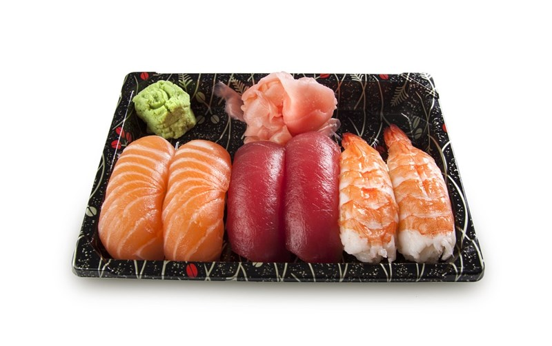 Уасаби е зелената подправка за суши горе вляво.