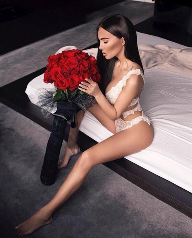 Николета: Мъже, подарявайте цветя на жените си