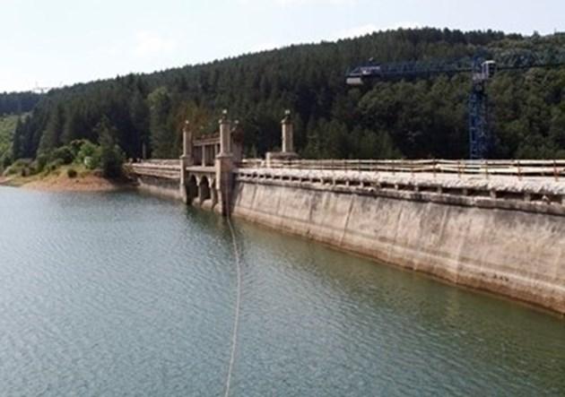 """Санкционират предприятия за нарушения при ползването на водите на язовир """"Студена"""""""