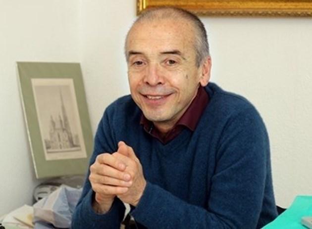 Лекари дават Мангъров на Етичната комисия