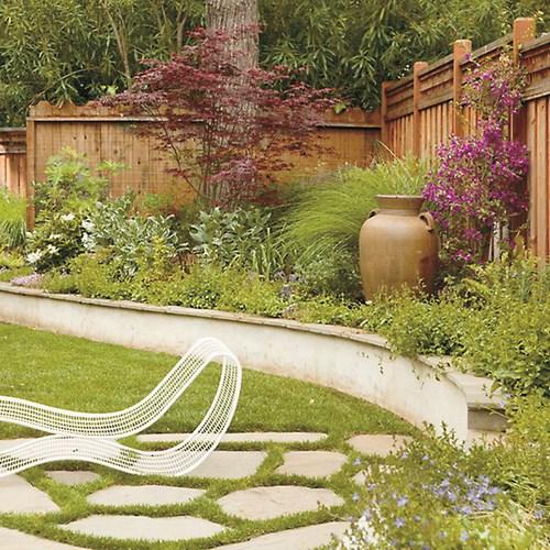 За ъгъла на градината