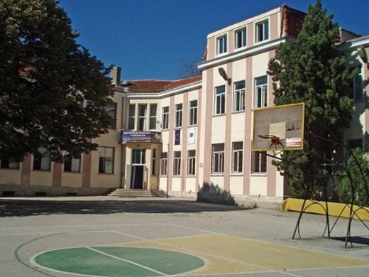 Министър Вълчев на посещение на училища и университети във Варна