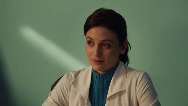 """В ролята на д-р Огнянова в сериала """"Откраднат живот"""""""