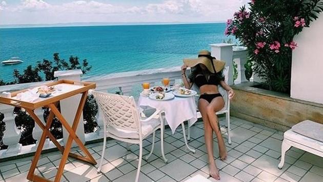 Светлана и Гущеров на частен плаж