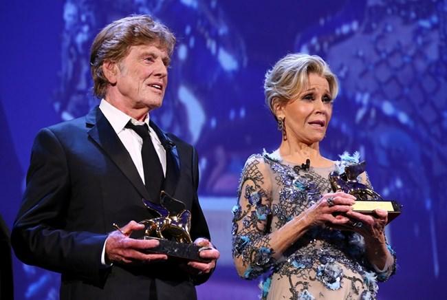 """Редфорд и Джейн Фонда получават """"Златен лъв"""" за заслуги в киното на 74-те филмови награди във Венеция."""