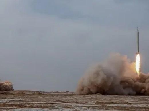 Иран извърши учебни стрелби с балистични ракети в Индийския океан